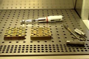 Plateaux d'exposition et outils pour retirer les cellules